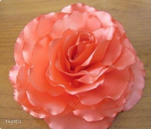 DIY-Handmade-Ribbon-Tape-Flower