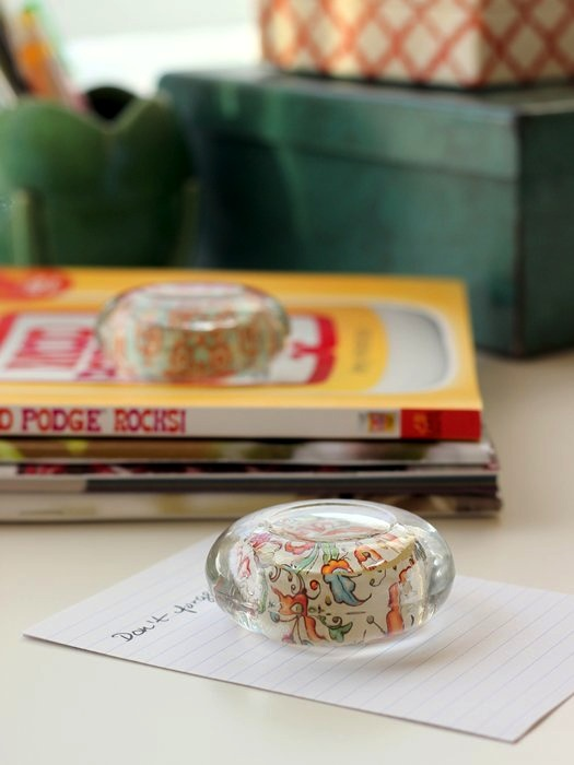 make-a-paper-weight-with-mod-podge-and-glass-container-00