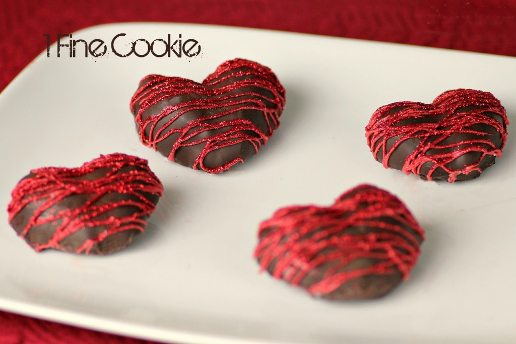 Chocolate-Covered-Strwaberry-Hearts-Filled-with-Marshmallow-by-1-Fine-Cookie-3-1024x683