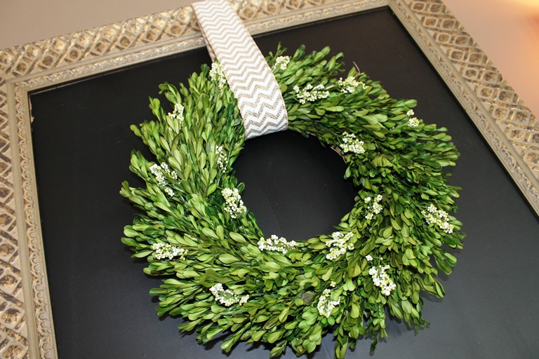 summertime mantel - boxwood wreath