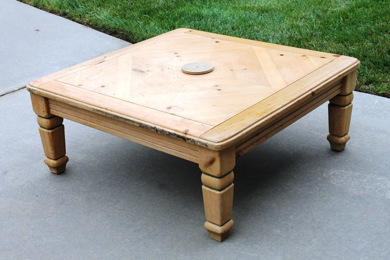 Trash to treasure diy family room coffee table brass for Coffee tables under 30